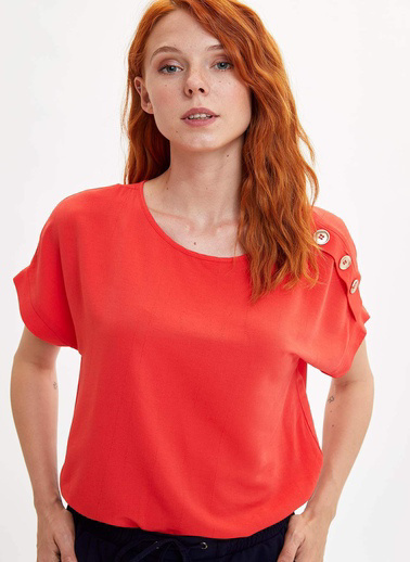 DeFacto Omzu Düğmeli Kısa Kollu Bluz Kırmızı